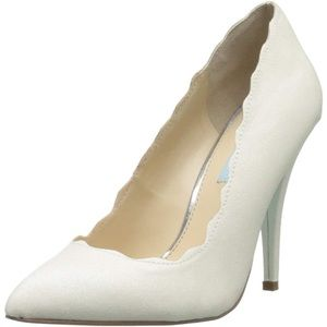 NEW Betsy Johnson Altar Glitter Scalloped Heel 8